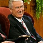dieter-smiles-at-congregation
